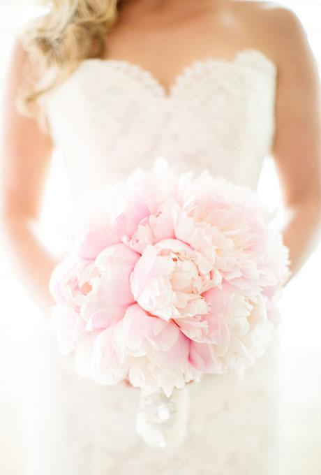 BI_10_inspiring_bridal_bouquets