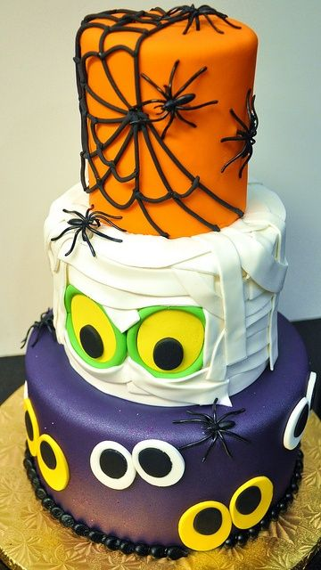 BI_halloween_wedding_cakes_6