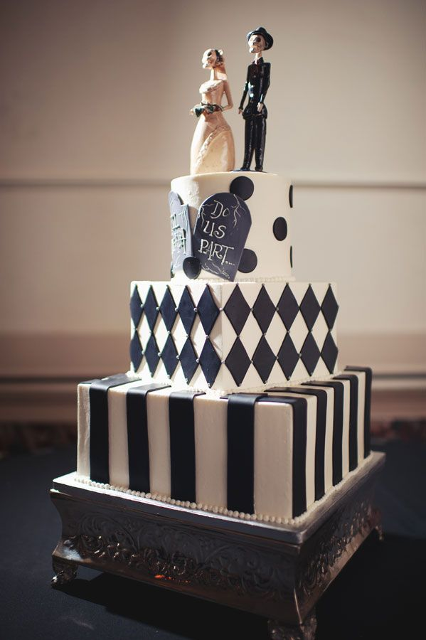 BI_halloween_wedding_cakes_7