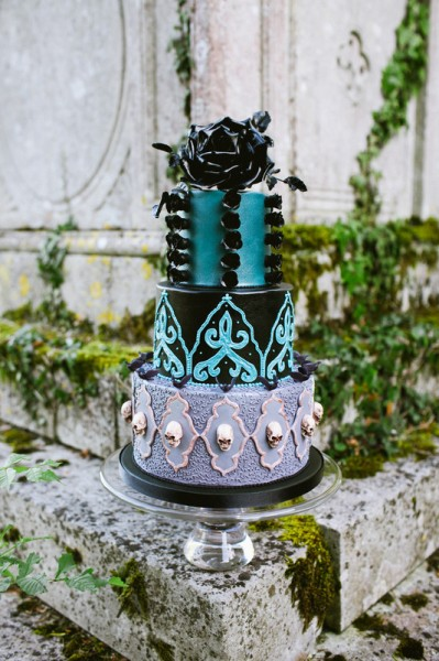 BI_halloween_wedding_cakes_9