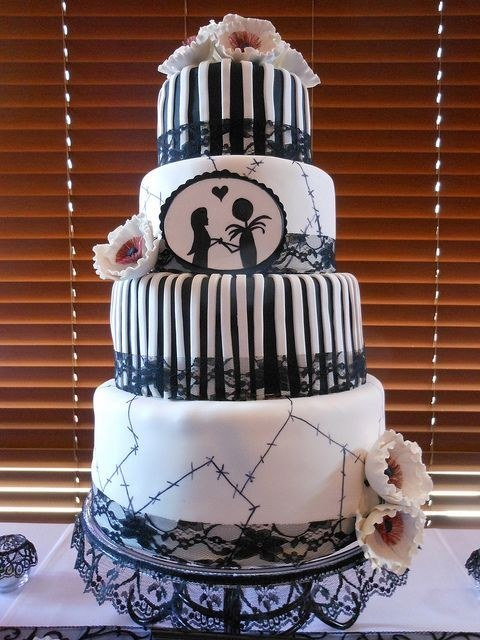 BI_halloween_wedding_cakes_10