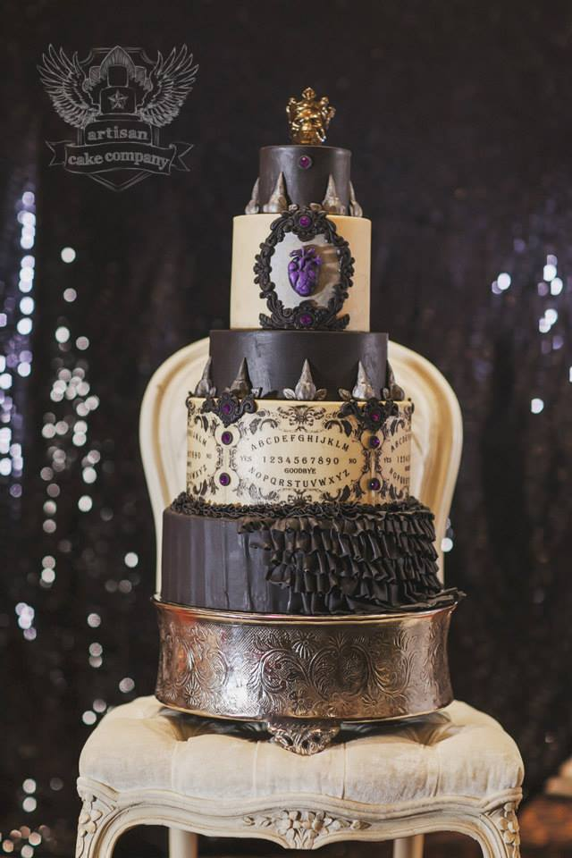 BI_halloween_wedding_cakes_14